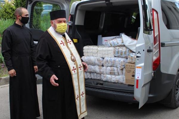 Священнослужителі передали допомогу тернополянам