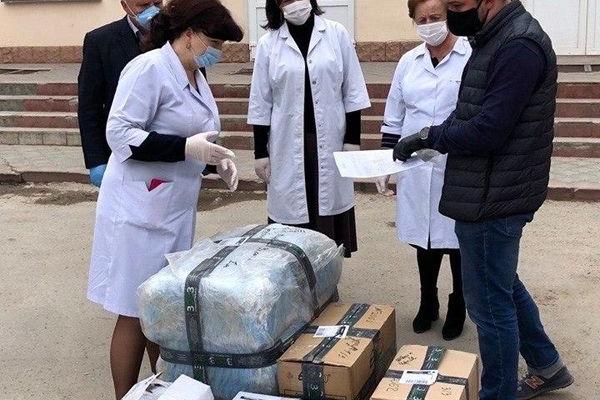 Лікарям Тернопільщини передали засобів захисту на суму більш ніж 850 000 грн, - Назар Зелінка прозвітував про роботу