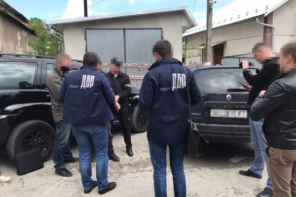На Тернопільщині правоохоронця затримали на хабарі