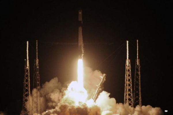 Запуск SpaceX з астронавтами в космос