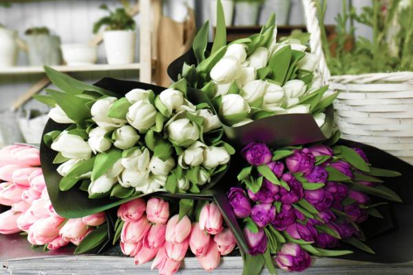 Як висловити почуття за допомогою букета квітів?