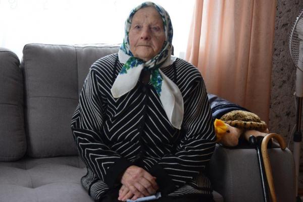 Пережила дітей і господарює сама, - жінка з Тернопільщини готується до 100-річчя