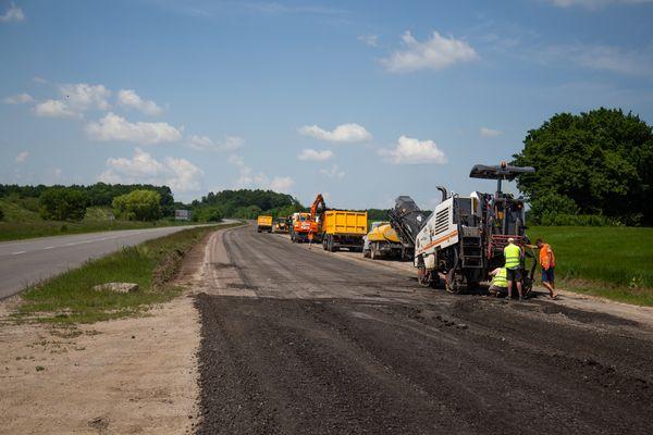 «Велике будівництво» на Тернопільщині: Олександр Кубраков проінспектував ремонт дороги  М-19