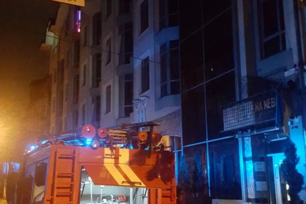 В центрі Тернополя горить відомий ресторан (Фото)