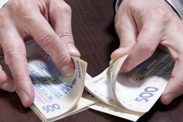 Медики з Тернопільщини привласнили понад 200 тис. грн