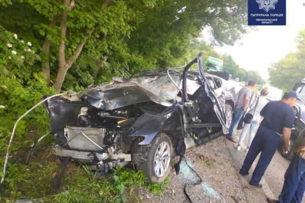 На Тернопільщині насмерть розбився водій «Мерседесу» (Фото)