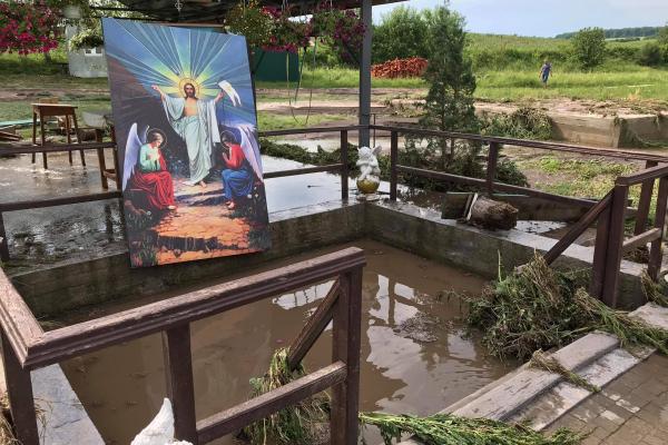 Не Тернопільщині негода знищила святиню (Фото)