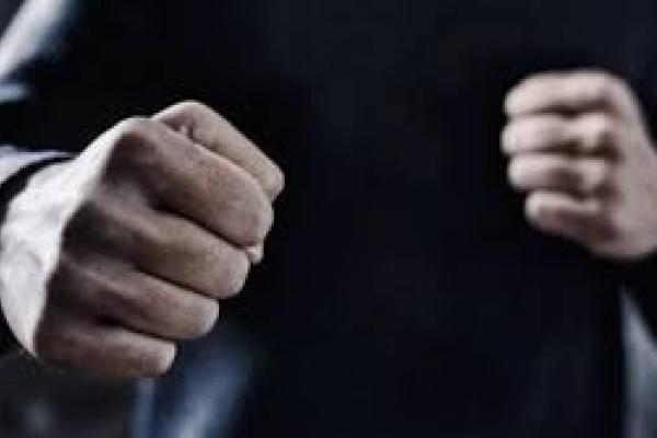 «Хотів отримати зізнання у злочині»: на Тернопільщині слідчий побив чоловіка