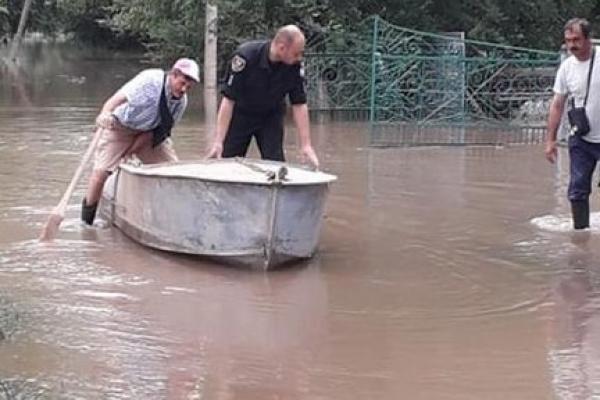 Через паводок на Дністрі правоохоронці Тернопільщини працюють в посиленому режимі