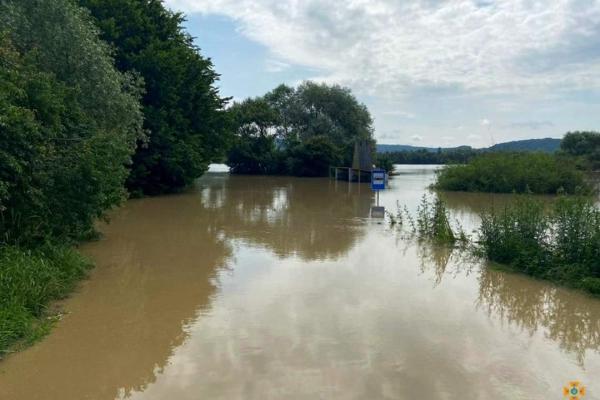Затоплені оселі та господарі угіддя: на Монастирищині евакуйовано майже 200 людей