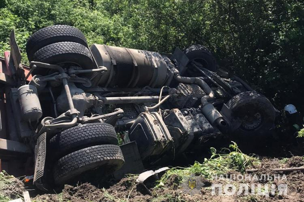 Смертельне ДТП на Тернопільщині: водій загинув на місці