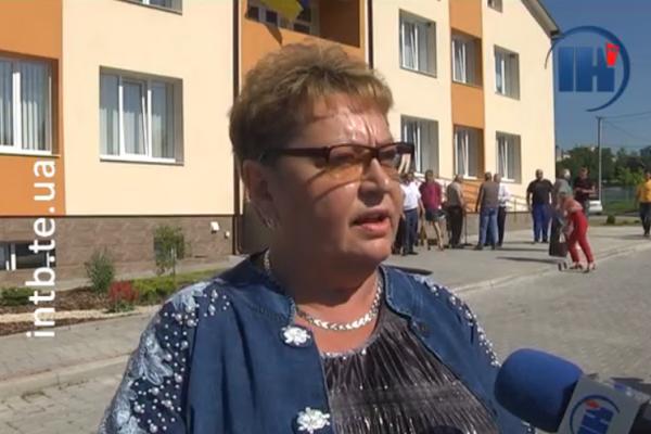 Наболіло мешканцям Білецької ОТГ: люди протестували під стінами адмінбудинку
