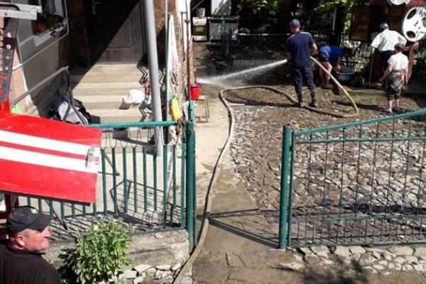На Тернопільщині рятувальники відкачали воду з 15 господарок, 107 – ще підтоплені