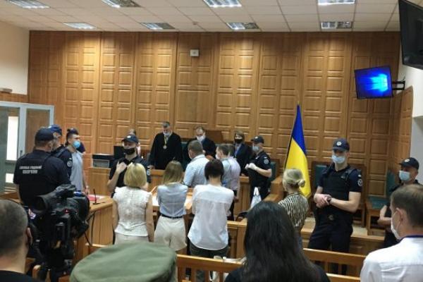 Тернопільський суд виніс вирок 4 обвинуваченим у вбивстві активіста Віталія Ващенка
