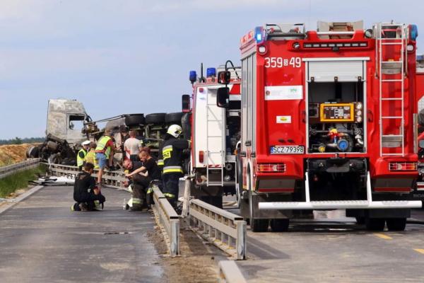 Водій у важкому стані: тернопільська ОДА прокоментувала аварію в Польщі
