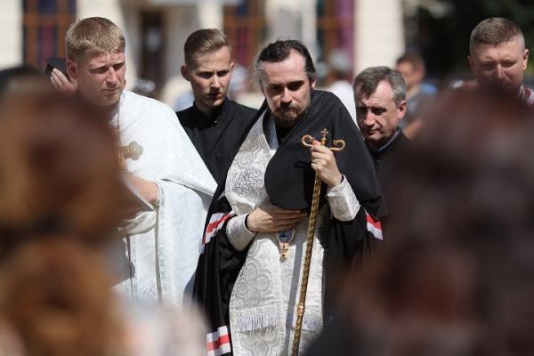 Архієпископ Нестор очолив чин похорону загиблого на Донбасі Героя