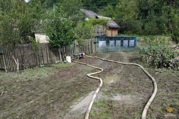 Лише за минулу добу відкачали понад 550 м куб води: на Тернопільщині триває ліквідації наслідків негоди