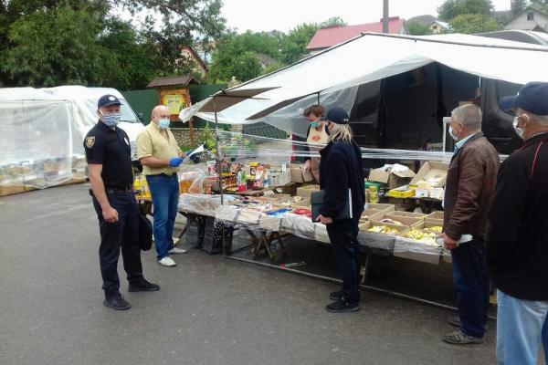 На місцевих ринках Тернопільщини продовжують фіксувати порушення