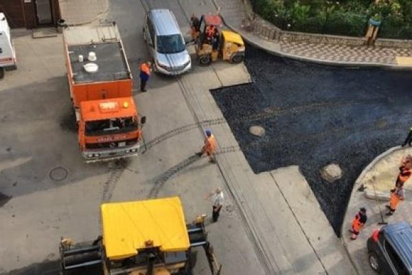 У Тернополі до Дня міста мають завершити ремонт дороги від швидкої вздовж приватного сектору
