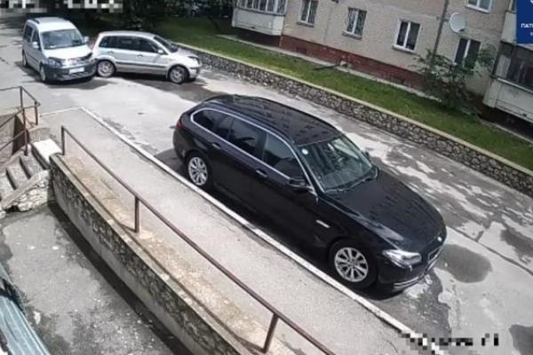 У Тернополі водій іномарки скоїв ДТП та втік (Відео)