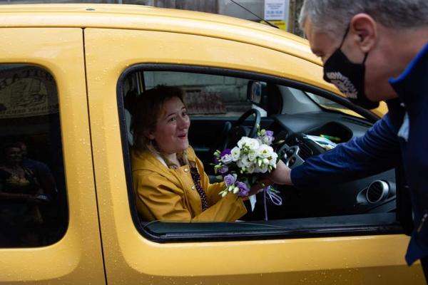 Петро Порошенко подарував букет дружині тернопільського ресторатора