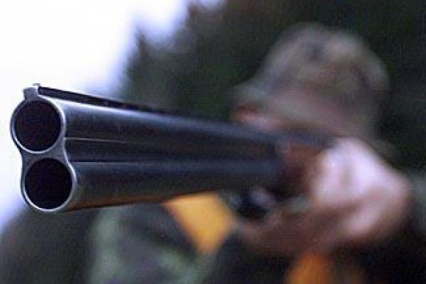 На Тернопільщині чоловік вистрілив у працівника електромереж