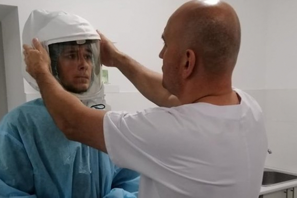 У Тернополі науковці медуніверситету створили шолом від вірусів