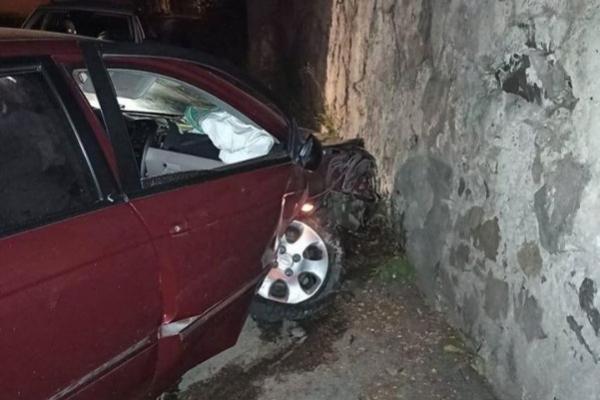 У Тернополі чоловік розбив щойно відремонтоване авто дружини