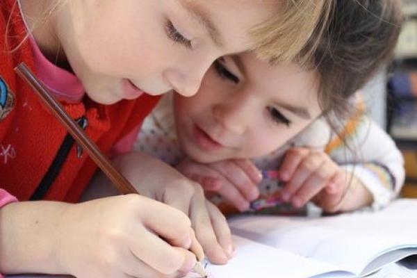 Тернопільських дітей запрошують взяти участь у Міжнародному конкурсі-єднанні «На одній хвилі»
