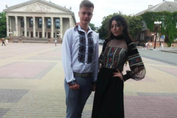 У Тернополі обрали переможців на «Кращий вишиваний костюм» серед випускників (Відео)