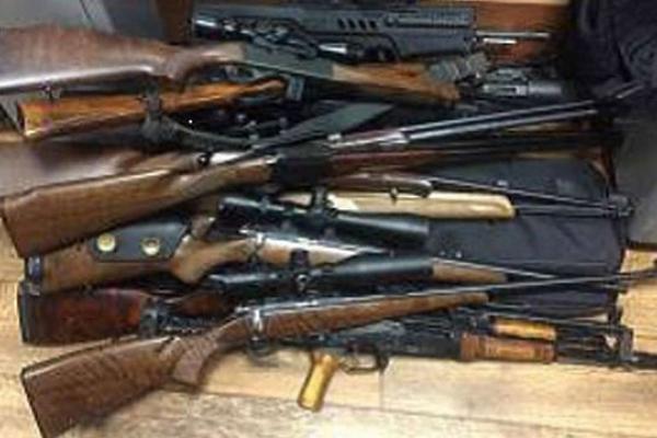 На Тернопільщині чоловік незаконно збував вогнепальну зброю