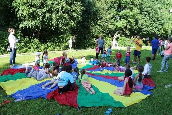 «Перед оздоровленням та після повернення»: дітей з Тернопільщини тестуватимуть на COVID-19