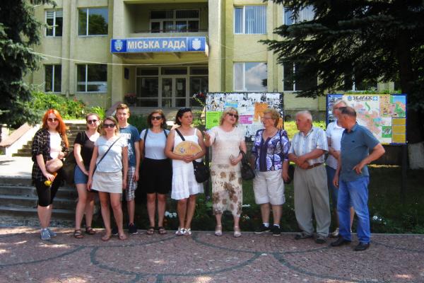 Мандрівка теребовлянських активістів до Збаразького замку