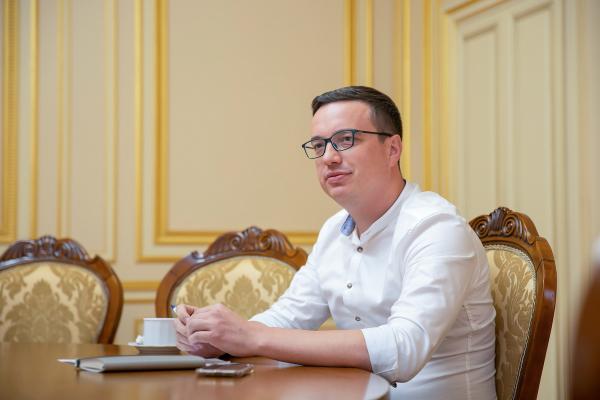 СБУ хочуть зробити, як Tesla, але чи поїде вона по українському бездоріжжю: інтерв'ю про реформу спецслужби