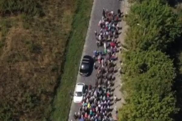 Тернопільщина: тисячі паломників вирушили пішою ходою до Почаєва