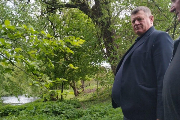 Голова Струсівської сільської ради Роман Бойко роками прикриває злив нечистот у річку Серет (Відео)
