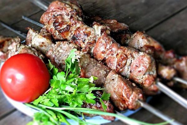 Секрети приготування шашлику: спеціально для любителів м'яса