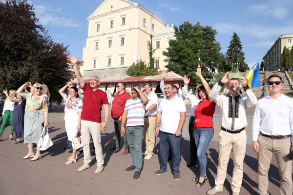 Найвище в Західній Україні: тернополяни вкотре здивували (Фото)