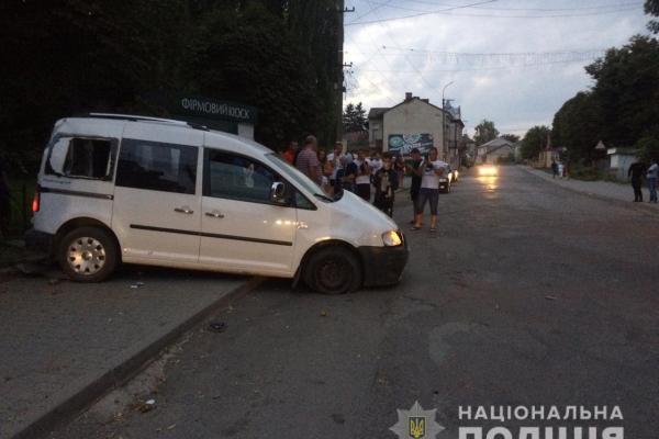 ДТП на Тернопільщині: п'яний кермувальник протаранив торговий кіоск