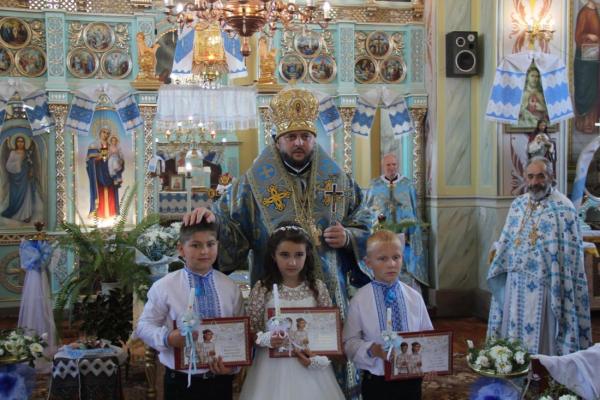 На Тернопільщині дві парафії не можуть поділити храм