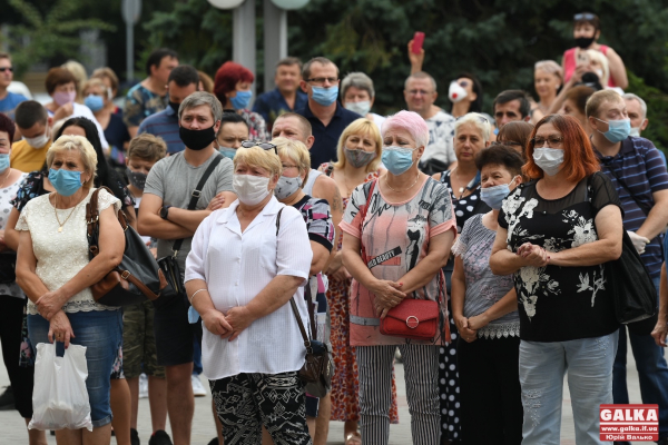 У Франківську тривають масові протести проти «червоної» зони (ФОТО)