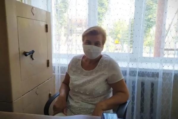 Жителька Тернопільщини, яка перехворіла на COVID-19, вважає, що люди самі винні, що ця хвороба продовжує поширюватися