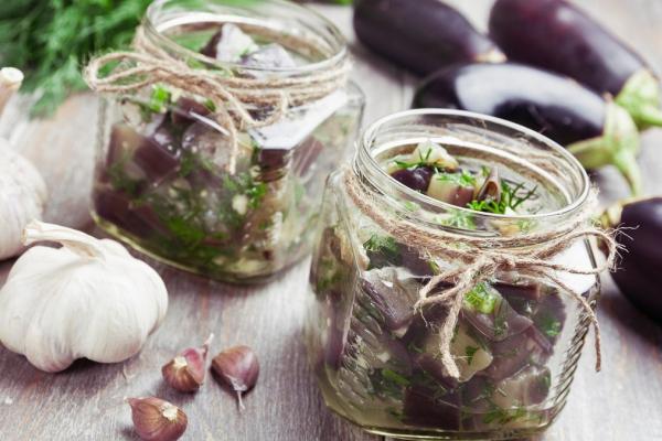 Як приготувати в'ялені баклажани на зиму: рецепт