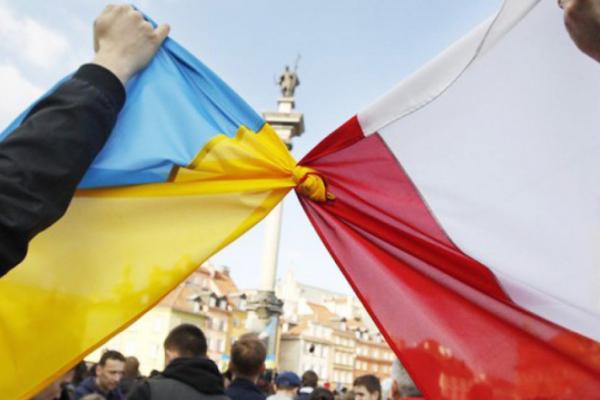 Глави МЗС України та Польщі спільно закликали не політизувати трагічні події минулого