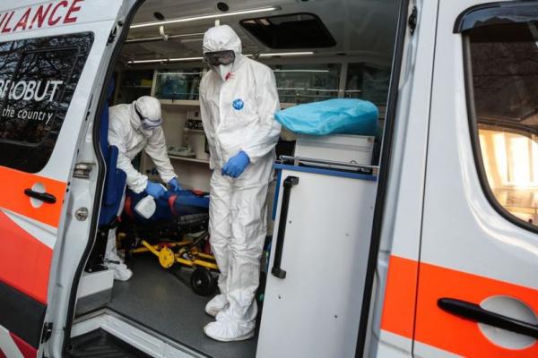 «Дві лікарні Тернополя вже не приймають пацієнтів, і для хворих доводиться шукати місця в районах», - Володимир Труш