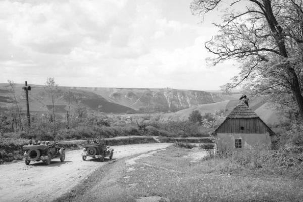 Село Кривче на фото 90 років тому