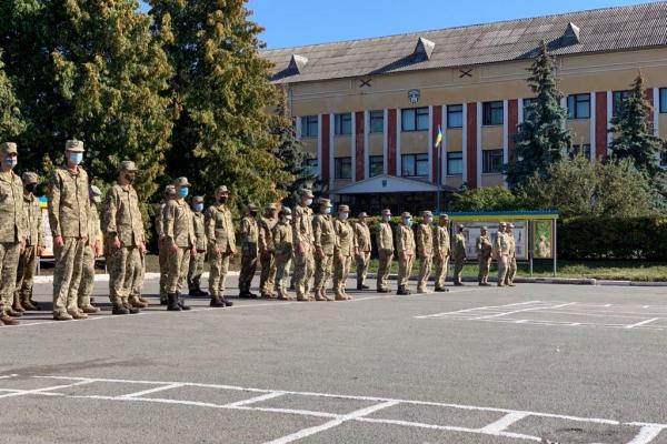 Голова обласної ради Віктор Овчарук привітав легендарну 44 бригаду із шостою річницею її створення