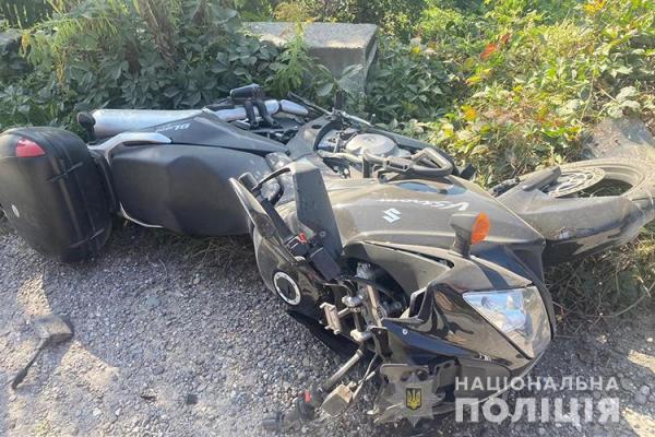 Шолом врятував життя: на Тернопільщині мотоцикліст потрапив у ДТП
