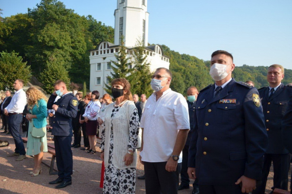 Рятувальники і газовики Тернопільщини взяли участь у професійній прощі у Зарваниці