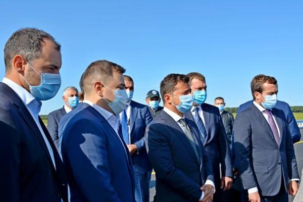 Президент України Володимир Зеленський побував на відремонтованому шляхопроводі неподалік села Воля